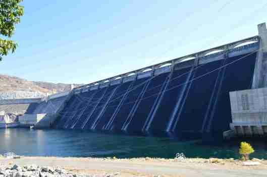 grand-colly-dam-02